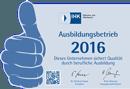 """Hier ist die Auszeichnung """"Ausbildungsbetrieb 2016"""", welcher von der IHK jedes Jahr verliehen wird dargestellt."""