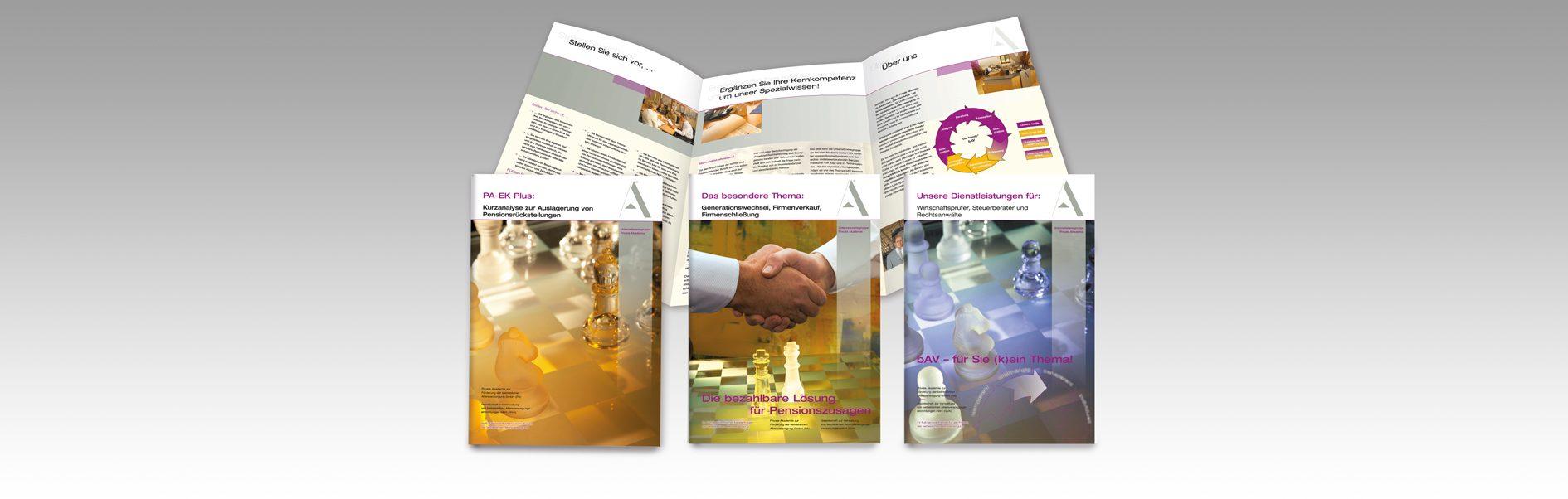 Hier isind die 3 Folder unseres Kunden Private Akademie abgebildet.