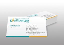 Hier sind die Visitenkarten von Reitberger Optik zu sehen.